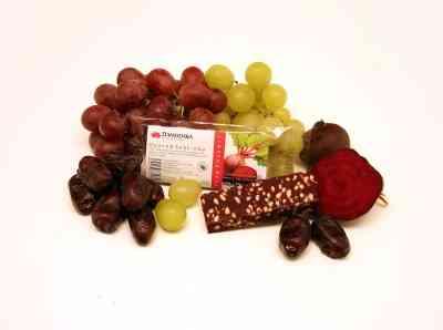 Ovocná svačinka DATLOVÁ S ČERVENOU ŘEPOU